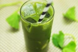 Nước rau má vừa ngon lại mát mùa nóng nhưng đừng uống theo những cách này