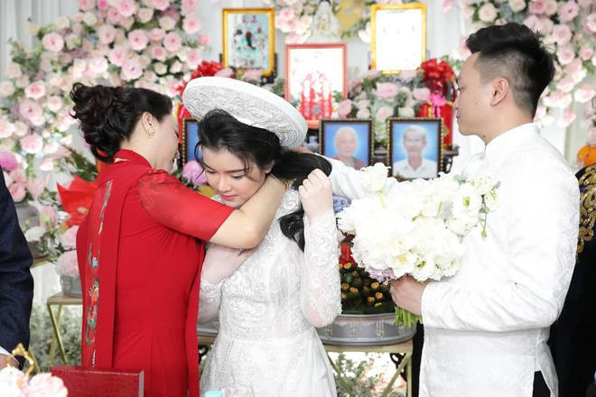 Ông Dũng Lò Vôi tổ chức lễ đính hôn cho con trai riêng bà Phương Hằng-3
