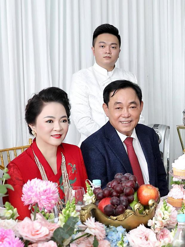 Ông Dũng Lò Vôi tổ chức lễ đính hôn cho con trai riêng bà Phương Hằng-7