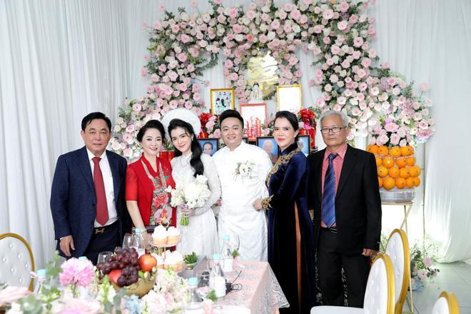 Ông Dũng Lò Vôi tổ chức lễ đính hôn cho con trai riêng bà Phương Hằng-8