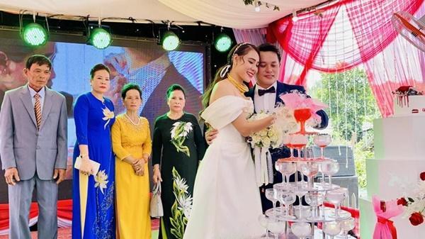 Lễ cưới của Hồ Bích Trâm ở Quảng Ngãi-1