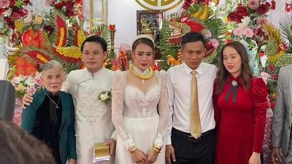 Lễ cưới của Hồ Bích Trâm ở Quảng Ngãi-2