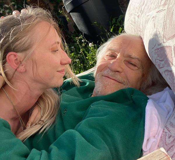 Cô gái 28 tuổi hẹn hò với bạn trai 76 tuổi, bị nhầm cô là y tá riêng chăm sóc ông lão-5