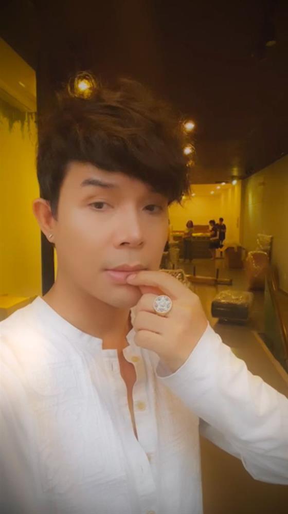 Thu Minh bị phát hiện âm thầm làm điều này khi Nathan Lee livestream-1