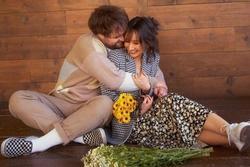Anna Trương - con gái Mỹ Linh khoe ảnh cưới ngọt ngào, hạnh phúc bên cạnh chồng Tây