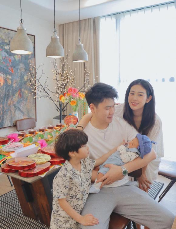Trang Lou tổ chức tiệc đầy tháng cho con, nhan sắc mẹ bỉm sữa gây chú ý-1