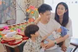 Trang Lou tổ chức tiệc đầy tháng cho con, nhan sắc mẹ bỉm sữa gây chú ý