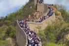 Hàng triệu du khách đổ xô đến các địa điểm nổi tiếng ở Trung Quốc