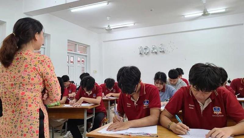 Học sinh TP.HCM tạm ngưng đến trường từ 10/5-1
