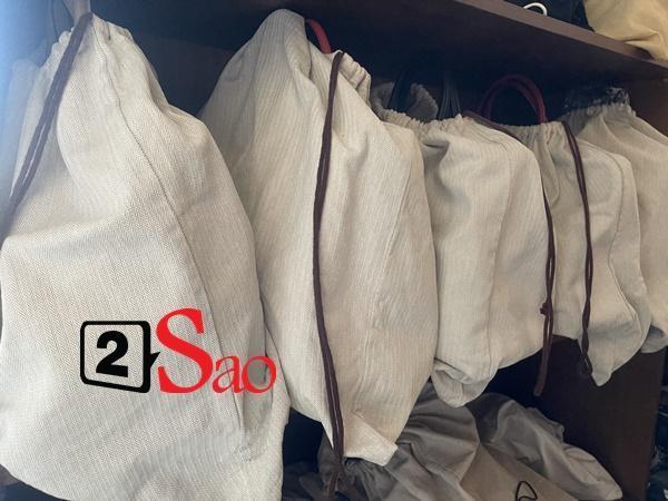 Sao Việt dùng túi hiệu: HHen Niê đựng chôm chôm, Mai Phương Thuý bày như hàng chợ-10