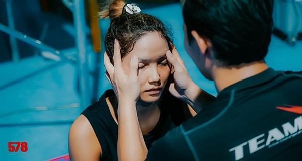 Diễn viên Việt đóng cảnh mạo hiểm, tơi tả bầm dập vẫn không cần thế vai-11
