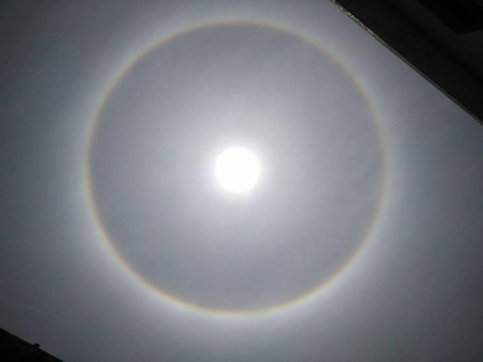 Sự thật vòng tròn như hành tinh lạ xuất hiện trên trời nhiều ngày nay-16