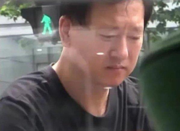Rộ tin cha mẹ Trịnh Sảng ly hôn sau scandal ầm ĩ của con gái-3