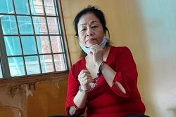 Nữ bị cáo có 18 con cướp dây chuyền của người nước ngoài