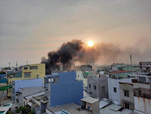 Cháy lớn nhà dân ở TP.HCM, 7 người chết-5