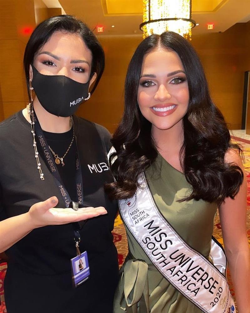 Khánh Vân lấy điểm 10 tinh tế khi nhập cuộc Miss Universe 2020-12