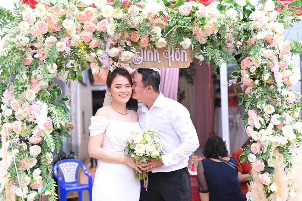 Thánh sún Thách Thức Danh Hài lấy chồng, ngoại hình khác lạ sau 2 năm-2