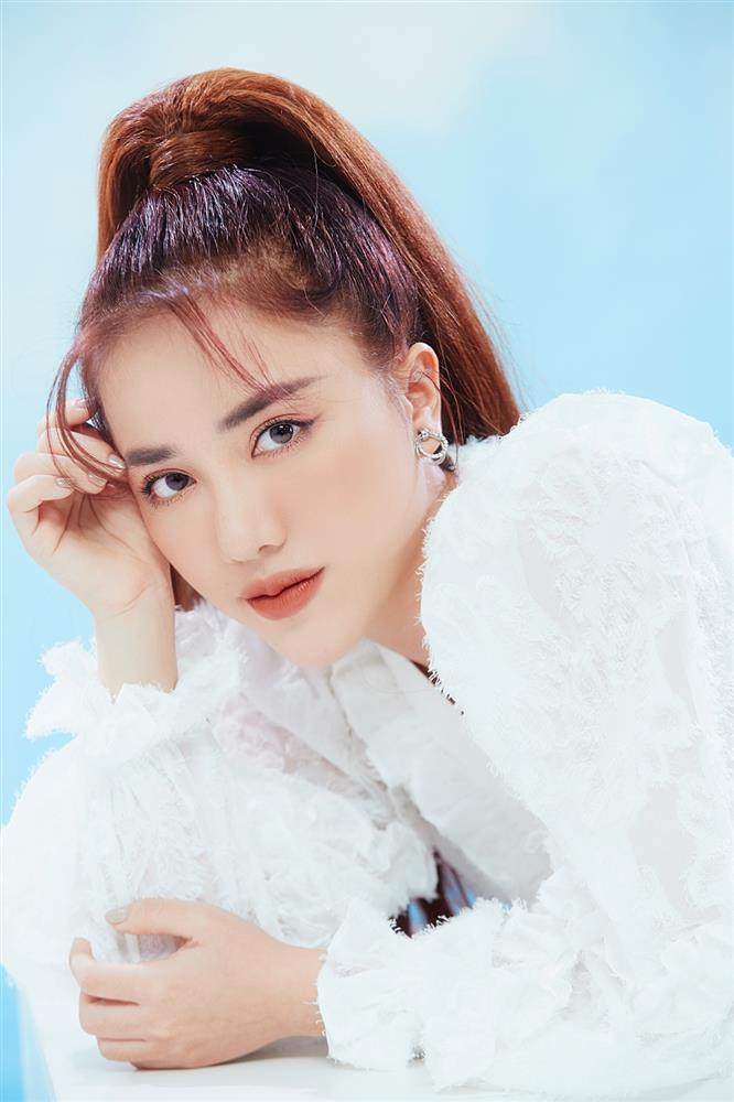 Nhạc hay cuối tuần: Dance xập xình cùng Phùng Khánh Linh, hip hop cực cháy với Lona-3