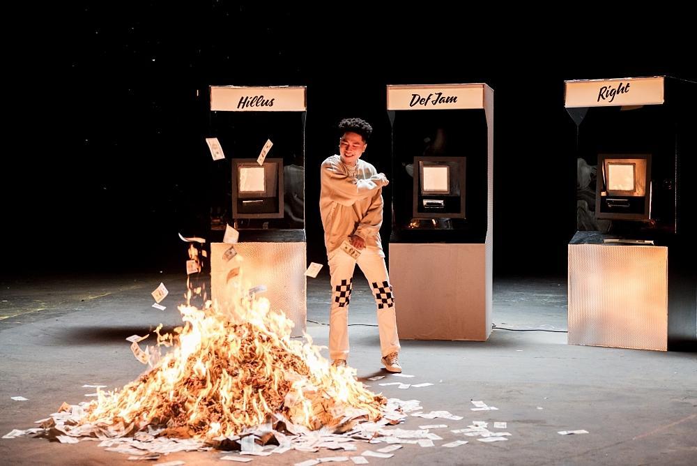 Nhạc hay cuối tuần: Dance xập xình cùng Phùng Khánh Linh, hip hop cực cháy với Lona-4