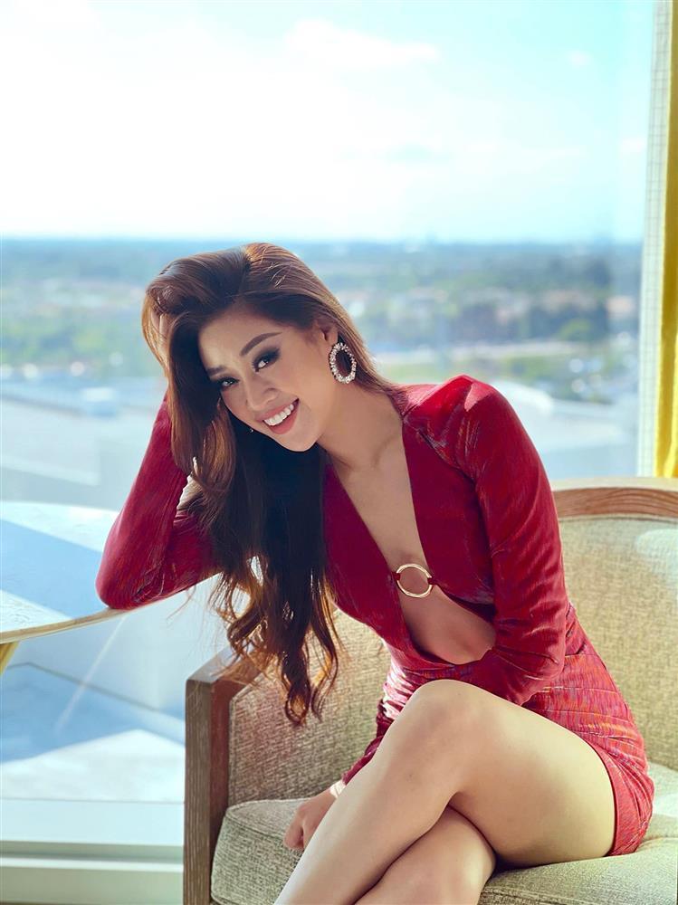 Đối thủ mạnh bậc nhất Miss Universe 2020 trầm trồ vì Khánh Vân-11
