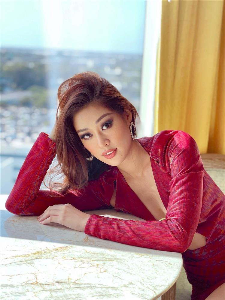 Đối thủ mạnh bậc nhất Miss Universe 2020 trầm trồ vì Khánh Vân-12