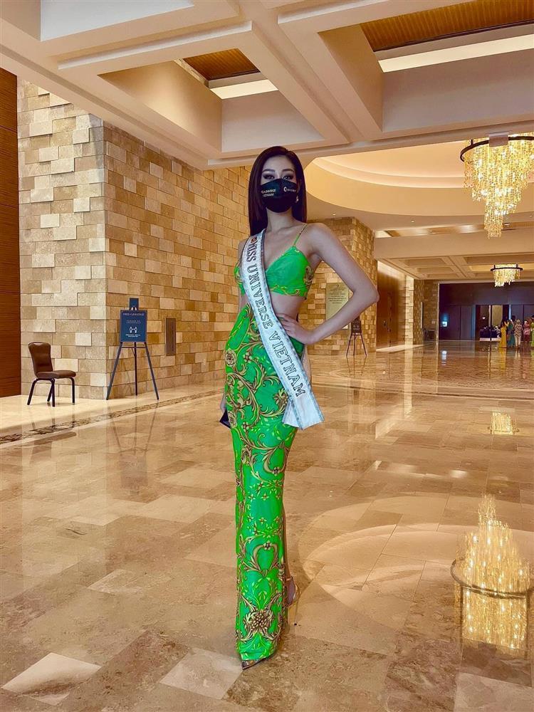 Đối thủ mạnh bậc nhất Miss Universe 2020 trầm trồ vì Khánh Vân-5