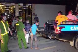 Hàng chục người tìm đường trốn khỏi quán karaoke trong đêm