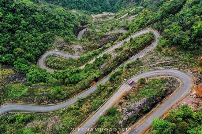 Hơn cả tứ đại đỉnh đèo, đây mới là đèo đáng sợ nhất Việt Nam với 14 khúc cua dốc-2