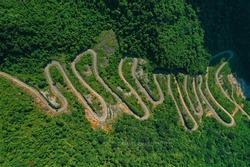 Hơn cả tứ đại đỉnh đèo, đây mới là đèo đáng sợ nhất Việt Nam với 14 khúc cua dốc