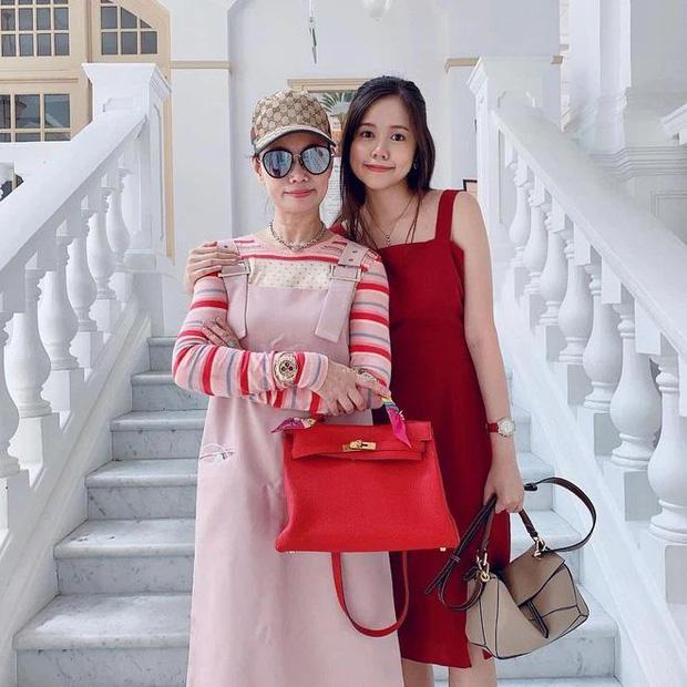 Matt Liu đăng ảnh mẹ ngày càng trẻ trung, em gái đứng cạnh cũng chiếm spotlight-2