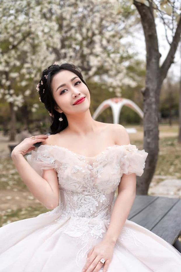 Ốc Thanh Vân gây tranh cãi khi khen vợ cũ Hoài Lâm dưới status xác nhận hẹn hò-3