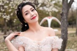 Ốc Thanh Vân gây tranh cãi khi khen vợ cũ Hoài Lâm dưới status xác nhận hẹn hò