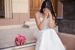 Dịch quay lại nên hoãn cưới, cô dâu bất ngờ nhận được tin nhắn: 'Chị là vợ người yêu em à?'