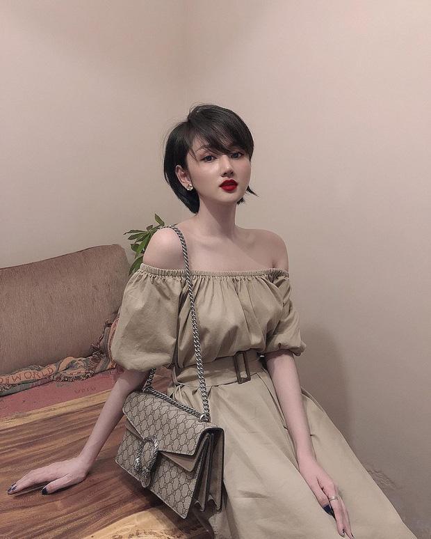 Cựu hot girl Sài Gòn khoe nhan sắc mẹ đẹp nức nở, di truyền hết cho con gái-1