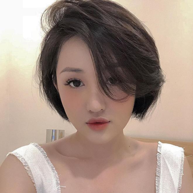 Cựu hot girl Sài Gòn khoe nhan sắc mẹ đẹp nức nở, di truyền hết cho con gái-3