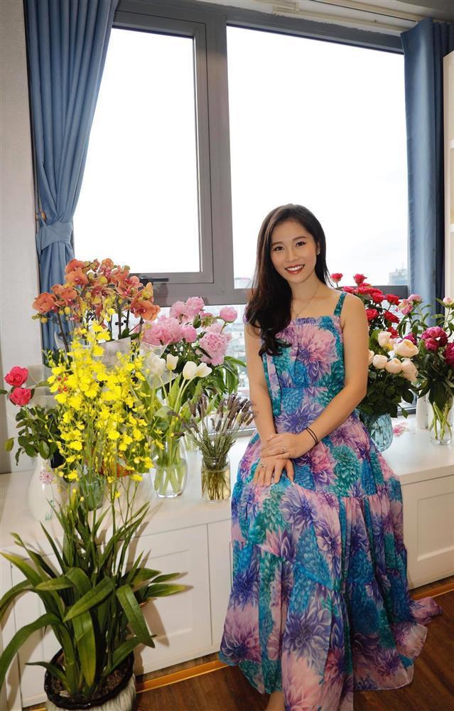 Thót tim cảnh tung váy suýt lộ hàng của bà xã Shark Hưng-4