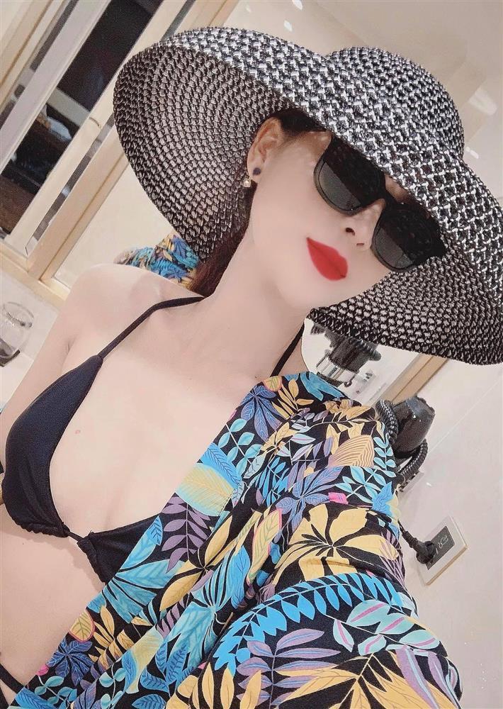 Minh Hung Hãn diện bikini siêu HOT khác hẳn gái quê Hướng Dương Ngược Nắng-6