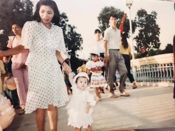 Vợ sắp cưới cầu thủ Xuân Trường khéo lấy lòng mẹ chồng tương lai-2