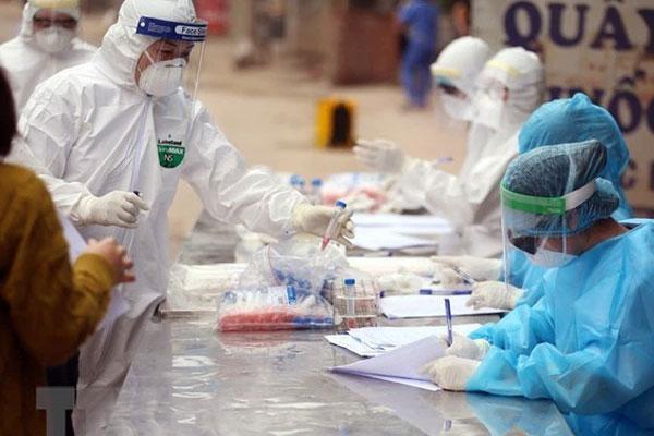 Các ca nhiễm Covid-19 tại ổ dịch Bệnh viện Bệnh Nhiệt đới Trung ương thuộc biến chủng của Ấn Độ-1