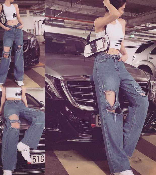Vừa diện quần jeans 140 triệu, Ngọc Trinh vội quay xe với kiểu quần độc dị-6