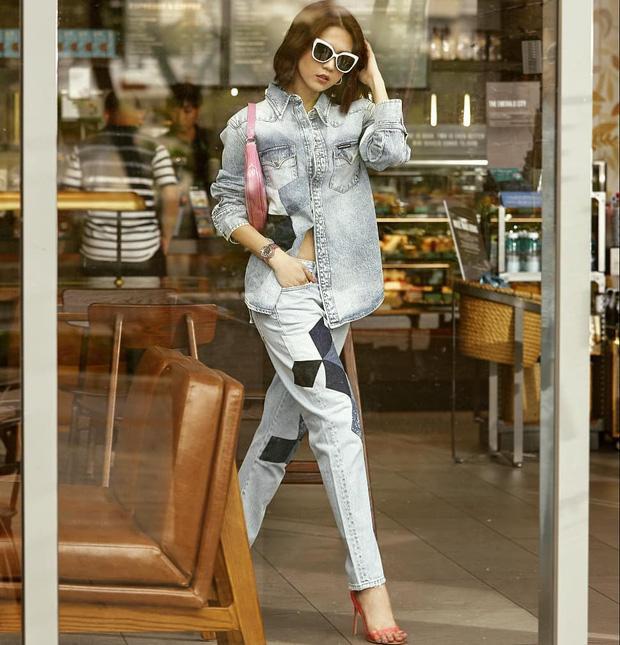 Vừa diện quần jeans 140 triệu, Ngọc Trinh vội quay xe với kiểu quần độc dị-11