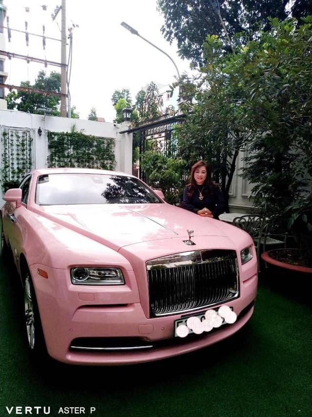 Vợ đại gia Dũng Lò Vôi: Dát kim cương lóa mắt, lướt Rolls-Royce 30 tỷ-13