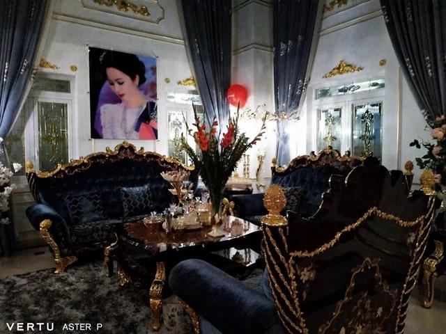 Vợ đại gia Dũng Lò Vôi: Dát kim cương lóa mắt, lướt Rolls-Royce 30 tỷ-16