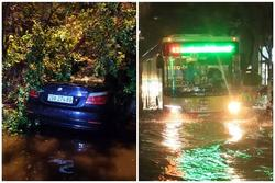 Mưa lớn, nhiều tuyến phố ở Hà Nội ngập sâu
