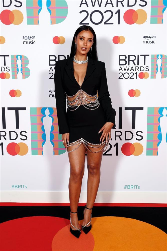 Dàn mỹ nhân chuộng váy xẻ ngực sâu tại Brit Awards 2021-4