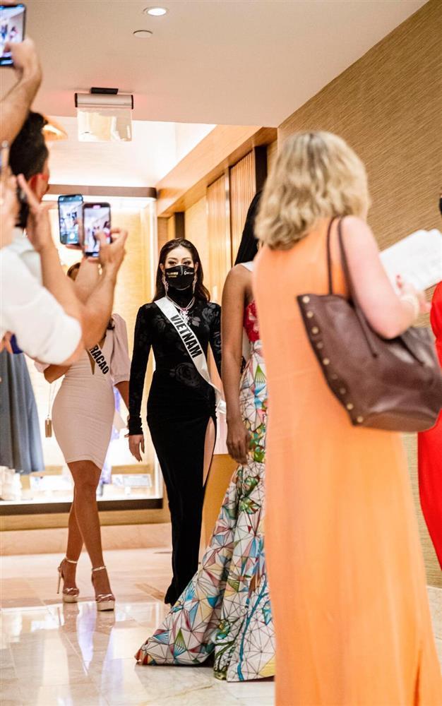 Hé lộ đầm dạ hội Khánh Vân chặt chém ở bán kết Miss Universe-1