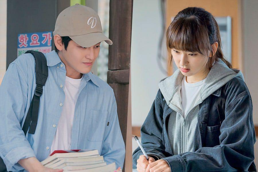Thời trang của Kim Bum khi vào vai sinh viên ở tuổi 32-11