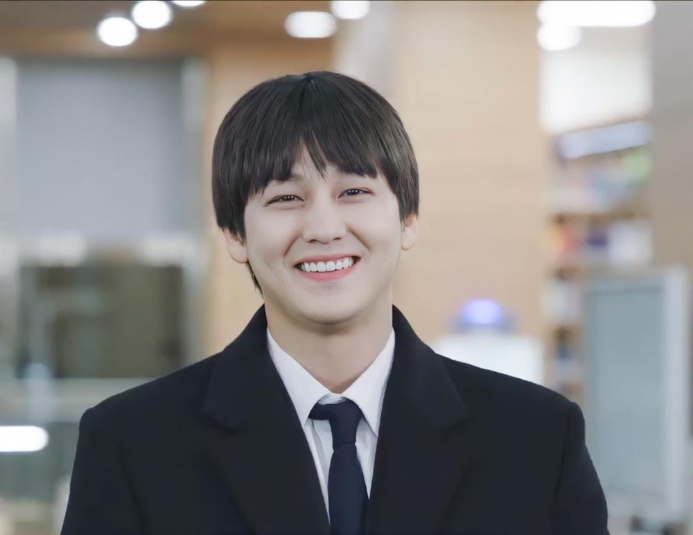 Thời trang của Kim Bum khi vào vai sinh viên ở tuổi 32-10