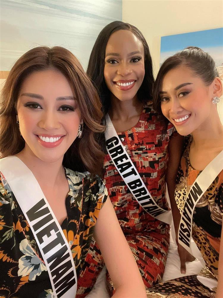 Hoa hậu Khánh Vân và hội nhà Miss quẩy tới bến trên nền nhạc dân gian-2