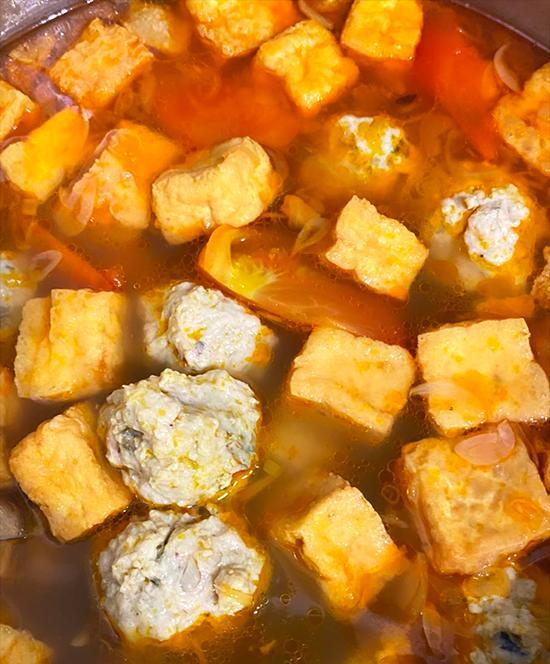 Kiều Minh Tuấn nấu hai bữa bún ốc một ngày-3